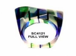 טבעת מקריסטל קליר בתוספת פגמנטים שקופים